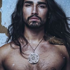 Androgynous beauty Willy Cartier blew up in 2010 Native American Male Models, Pretty Men, Beautiful Men, Willy Cartier, Androgynous Boy, Long Hair Beard, Jackson, Ginger Hair, Messy Hairstyles