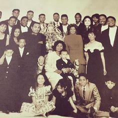 Photo of Jackson Family Honors Awards Ceremony for fans of Michael Jackson 40786084 3t Jackson, The Jackson Five, Jackson Family, Janet Jackson, Big Family, Jermaine Jackson, Photos Of Michael Jackson, Michael Jackson Smile, Paris Jackson