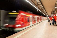 Aktuelle Informationen zum öffentlichen Nahverkehr in Stuttgart. Foto: dpa http://www.stuttgarter-zeitung.de/inhalt.vvs-stoerungsmelder-starke-einschraenkungen-am-hauptbahnhof.dc0f9528-6c9f-41a7-b7dc-50f9d617fdcf.html