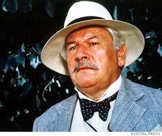 PETER USTINOV / / Multi-talented actor known as great wit and humanitarian Classic Movie Stars, Love Movie, Classic Films, Peter Ustinov, Hollywood Actor, Classic Hollywood, Jean Simmons, Golden Girls, Golden Age