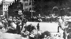 Flower Sellers, Adderley Street in 1909   by HiltonT