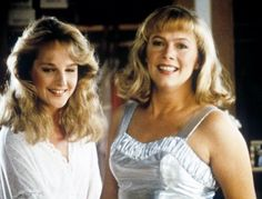Beth Bodell and Peggy Sue - Helen Hunt and Kathleen Turner - Peggy Sue Got Married 1986 Love Movie, Movie Tv, Peggy Sue Got Married, Kathleen Turner, Best Costume Design, Helen Hunt, Image Film, And Peggy, Michelle Pfeiffer