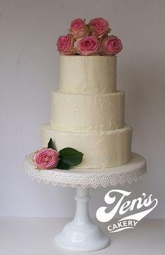 Buttercreamed cake by Jen's Cakery, via Flickr
