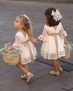 A line Long Sleeve Lace Flower Girl Dresses Above Knee Scoop Bowknot Baby Dress on sale – PromDress.uk A line Long Sleeve Lace Flower Girl Dresses Above Knee Scoop Bowknot Baby Dress on sale – PromDress.uk Source by impimplant girl dress long sleeve Lace Flower Girls, Lace Flowers, Boho Flower Girl, Wedding Flower Girls, Baby Wedding Outfit Girl, Rustic Flower Girls, Flower Girl Basket, Vintage Flower Girl Dresses, Flower Girl Dresses Country