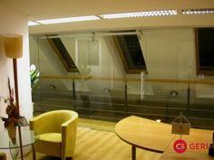 Sklenená stena s posuvnými dverami Corner Bathtub, Mirror, Bathroom, Furniture, Home Decor, Washroom, Decoration Home, Room Decor, Mirrors