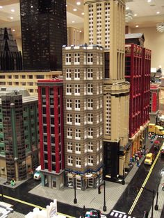 Lego Skyscraper, Lego Words, Lego Structures, 3d Home Design, Lego Pictures, Lego Trains, Lego Modular, Cool Lego Creations, Metal Toys