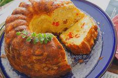 Τυρόπιτα σε Φόρμα Greek Recipes, Dessert Recipes, Desserts, Baked Potato, Muffin, Food And Drink, Cooking Recipes, Cookies, Breakfast