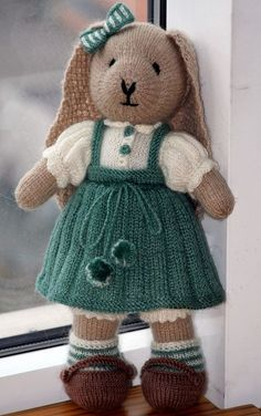"""Things dear to the heart: """"Knitted small animals from Vastoys and not only"""" Knitting Bear, Teddy Bear Knitting Pattern, Baby Booties Knitting Pattern, Knitted Doll Patterns, Animal Knitting Patterns, Knitted Dolls, Stuffed Animal Patterns, Crochet Dolls, Knitted Bunnies"""