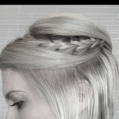 Braided Hairstyles for Short Hair 10 Braided Hairstyles for Short Hair - PoPular Braided Hairstyles for Short Hair - PoPular Haircuts Fishtail Hairstyles, Old Hairstyles, Short Bob Hairstyles, Pretty Hairstyles, Asian Short Hair, Braids For Short Hair, Bob Braids, Braid Bangs, Braid Styles