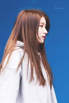 Gfriend sowon as Anindita Keisha Kpop Girl Groups, Kpop Girls, Seoul, Gfriend Sowon, G Friend, Korean Singer, South Korean Girls, Girlfriends, Rapper