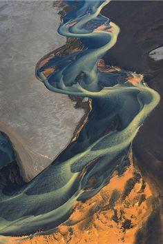 Spectacular aerial shots of Iceland's volcanic rivers - ego-alterego.com