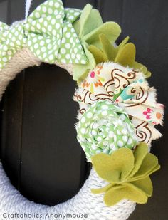 St. Patrick's Day wreath. Easy + pretty! #wreath