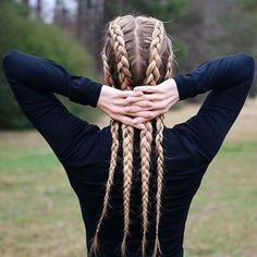 #braids #fashion #beauty #hair #positivevibes #beyourself #summer #sunglasses #modaelsalvador #fashiondiaries #blog #neon #icecream #cake #inspiration #follow4like #longhair #summertime #summer #elsalvador #sivar #like4like #follow4like #black
