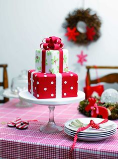 Christmas Cake Decoration Ideas | All Wrapped Up