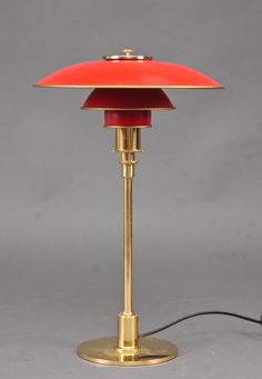 Poul Henningsen PH table lamp, red shades My favorite PH of all time! Art Deco Lighting, Lighting Design, Lights Artist, Deco Retro, Tiffany Lamps, Rustic Interiors, Lamp Light, Light Fixtures, Table Lamp