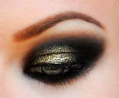 """""""I was doing a regular dark, smokey eye and wanted something to make it more special so I added some Utopia pigment. I LOVE the way it came out, even though it's an intense look!"""""""