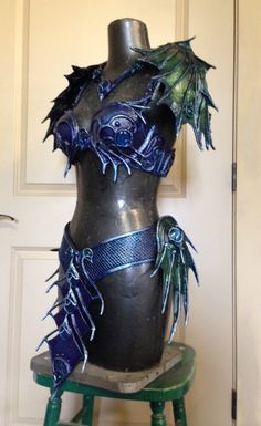 Dragon armor, Sea siren set made for a cosplayer at FaerieCon Cosplay Armor, Cosplay Diy, Cosplay Dress, Siren Costume, Mermaid Cosplay, Silicone Mermaid Tails, Dragon Armor, Sea Siren, Armadura Medieval