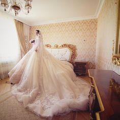 """世界で1番""""美しく贅沢な""""ウェディングドレス【マダムシンコ】総まとめ♡にて紹介している画像"""