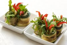 Zucchini Rollers are their name. Culinary Bliss is their game. Grilled zucchini poppers stuffed with either pesto scented ricotta or goat . Grilled Zucchini, Snack Recipes, Snacks, Le Chef, Food Humor, Savoury Cake, What To Cook, Food Presentation, Food Design