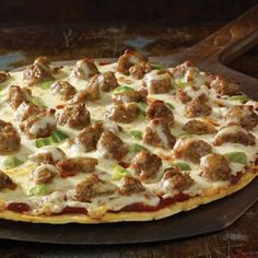 Taste of home, Easy Sausage Pizza: this looks so good, I wish I was eating some right now :)