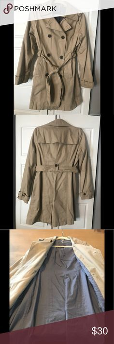 Old Navy Trench Coat Light-weight Old Navy Women's Trench Coat In excellent condition from a smoke-free home Old Navy Jackets & Coats Trench Coats