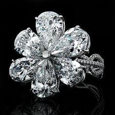 nice Bague Diamant - Tendance 2017/2018 : Diamond flower ring....