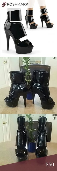 """Pleaser platform bootie stelletoes Black pleaser platform bootie stelletoes with a 5.5"""" heel and 1.75"""" platform. Warn once very sex and in excellent condition...! Pleaser Shoes Heeled Boots"""