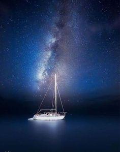 Navegando bajo la Vía Láctea. Increíble.