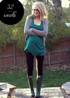 Cute maternity outfit. I REALLY want some Hunter rain boots!