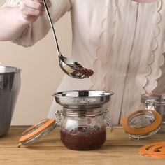 Entonnoir pour transvaser les confitures de la marmite au pot inox avec filtre amovible Kilner