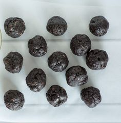 Oreo Cookie Balls- 3 Ingredient Easy! ~ https://www.southernplate.com