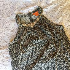 Geometric Print Dress Adorable geometric print dress. Size 0. Zips in the back. Colors are white, tan shades, black Joe Fresh Dresses Midi