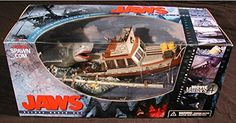 McFarlane - Movie Maniacs - Series 4 - Jaws Deluxe Box Set w/Shark (Jaws), Boat and other custom figures and accessories Movie Maniacs Shark Jaws, Sharks, Jaws Boat, Jaws Movie, Buy Movies, Geek Gadgets, Movie Tickets, Classic Monsters, Sideshow Collectibles