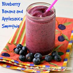 Thick, creamy, HEALTHY and delicious Blueberry Banana and Applesauce Smoothie! So good it& almost like dessert! Smoothie Drinks, Fruit Smoothies, Healthy Smoothies, Smoothie Recipes, Healthy Drinks, Healthy Eats, Healthy Snacks, Smoothie Ingredients, Healthy Recipes