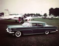 Of the nearly 30,000 Lincolns and Continentals produced for 1959 model year, the Continental Mark IV Landau was most popular with 6,146 produced.
