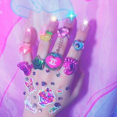 Discovered by kawaii kanye west. Find images and videos about pink, grunge and nails on We Heart It - the app to get lost in what you love. Princesa Punk, Alluka Zoldyck, Space Grunge, Mabel Pines, Pastel Grunge, Little Doll, Pics Art, Magical Girl, Pink Aesthetic
