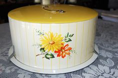 Vintage 1950's Metal Flowered Cake Carrier