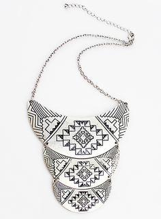 Collar metálico relieve-Plata EUR€7.44