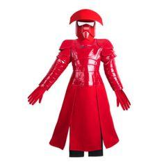Deja que tu pequeño proteja la Primera Orden junto al Líder Supremo Snoke con este disfraz de lujo de la Guardia Pretoriana. Este llamativo disfraz viene con una máscara amenazante y guantes a juego.