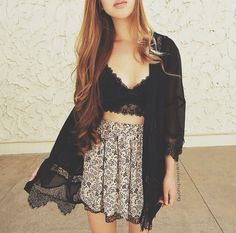 I love the bralette! I need a cute bralette but I can't find one that I absolutely love. Hipster Fashion, Teen Fashion, Boho Fashion, Fashion Beauty, Womens Fashion, Cute Spring Outfits, Cute Outfits, Casual Outfits, Alternative Rock