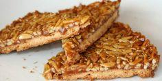 Tarte de Amêndoa - http://www.receitassimples.pt/tarte-de-amendoa/