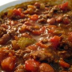 A hearty venison chili made with tomatoes, onion and beans. Tequila gives it a boost of flavor. Venison Chili Recipe, Ground Venison Recipes, Best Chili Recipe, Chili Recipes, Soup Recipes, Venison Meals, Game Recipes, Recipies, Football Chili Recipe