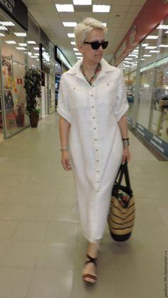 Платье рубашка .Льняное платье - купить или заказать в интернет-магазине на Ярмарке Мастеров | Огромной популярностью пользуются платья-рубашки… White Linen Dresses, Elegant Dresses, Casual Dresses, Summer Dresses, Pretty Dresses, Classic Outfits, Stylish Outfits, Hijab Fashion, Fashion Outfits