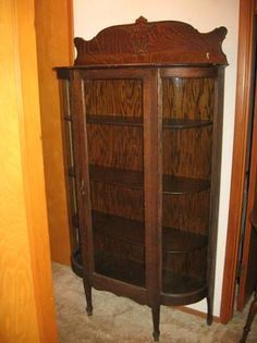 This Is A Vintage All Origianl American Antique Oak Curved Glass China  Cabinet Finish And Shelves