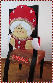 Modelos variados de cubresillas navideñas Christmas Crafts, Christmas Decorations, Xmas, Chair Back Covers, Holidays And Events, Christmas Stockings, Christmas Trees, Projects To Try, Diy
