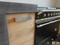 Koak keuken met ikea keuken kasten en een betonnen blad maken7