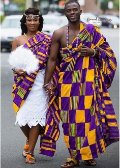 Today is all about our favorite Ghanaian wedding looks! The couples rock the fabulous Kente in different colors and designs and the brides added lots of pretty little things that… African Wedding Attire, African Attire, African Wear, African Women, African Dress, Ghana Wedding Dress, African Weddings, African Fabric, Ghana Fashion