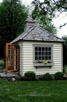 Little Red House: Garden Shed