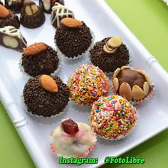#chocolate #chocolates #delicious #cacao #bombon #truffles #sweet#trufas #eatme #share #followme #foodphotography #chef #chocolatier #instagram Reposted Via @fotolibre