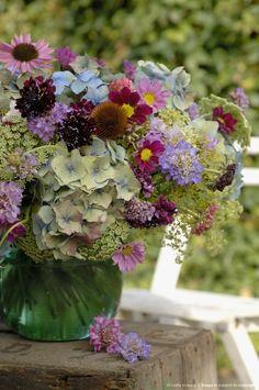 Summer Flowers Arrangement. Cosmos, hydrangea, scabiosa...Ideas for cutting garden blooms.